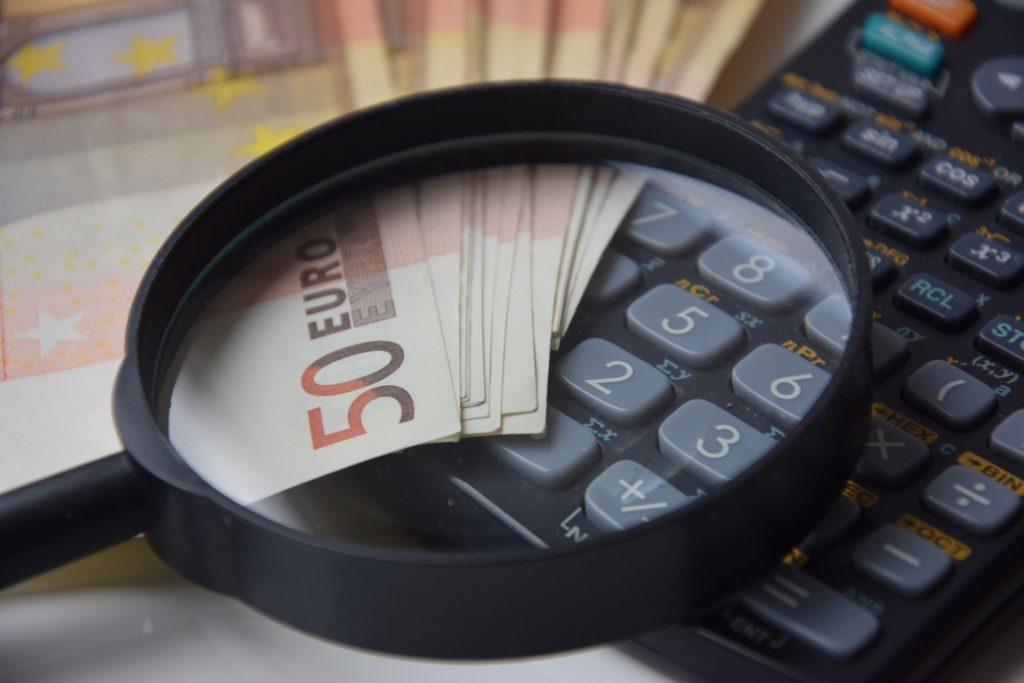 電気工事士の平均年収474万円という事実