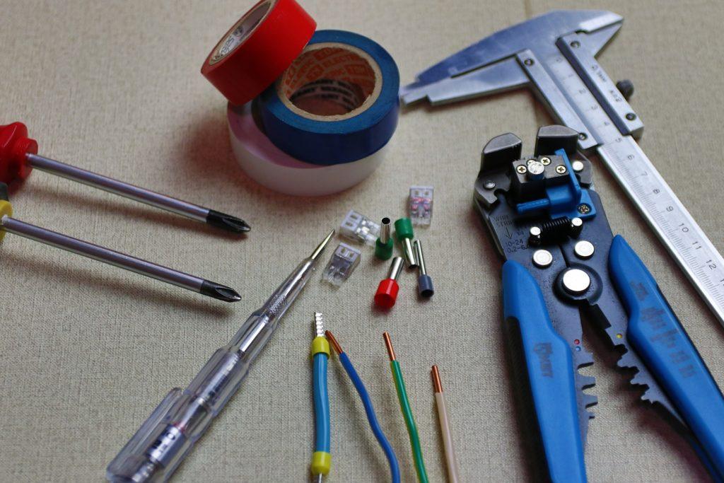 電気工事士(技能試験)に必須な工具ホームセンター