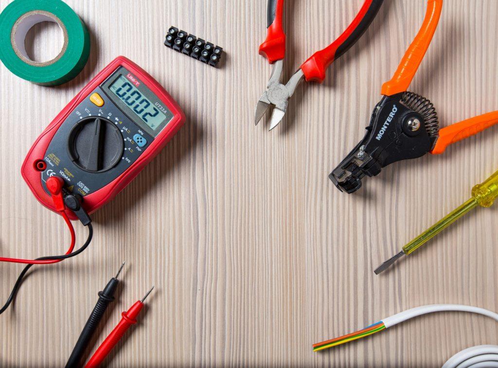 第二種電気工事士の試験に持ち込む工具